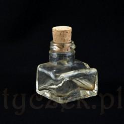 Szklany kałamarz z początku 2 wieku.