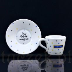 Wyrób wykonany został z białej, grubościennej porcelany kawiarnianej