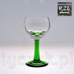 Stylowy kielich do wina na zielonej stopce