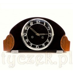 Niespotykany zegar: połączenie drewna z dekoracyjnym bakelitem