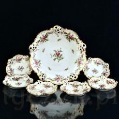 Kremowa porcelana dekorowana motywem róży stulistnej