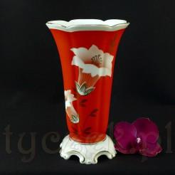 Finezyjny wazon z wytwórni w Tułowicach