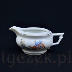 śląski mlecznik wykonany z białej porcelany