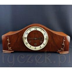 Gustowny i w pełni sprawny zegar kominkowy