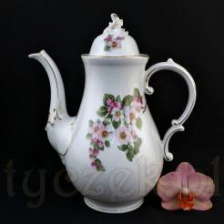 Porcelanowy dzbanek do kawy lub herbaty