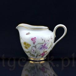 Efektowny mlecznik wykonany z kremowej porcelany fason Constanze