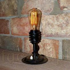 Niezwykła lampa stojąca na toaletkę. komodę czy szafkę nocną