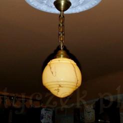 Ekskluzywna lampa ze szkłem i mosiężnym zwisem