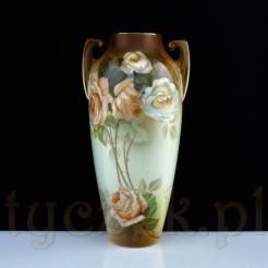 Secesyjny wazon porcelanowy w kwitnące róże