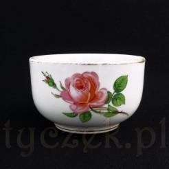 Różana cukiernica otwarta z miśnieńskiej porcelany
