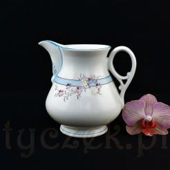 Porcelanowy mlecznik styl śląski w bieli i błękicie