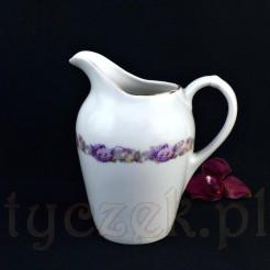 Motyw fioletowych róż i margaretek na mleczniku