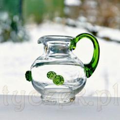 Szklany mlecznik z zielonym uchem