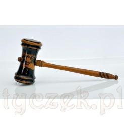 Zabytkowy młotek na auckję i dla sędziego