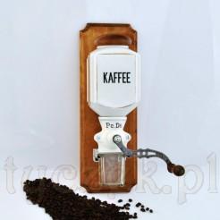 Młynek do kawy antyk utrzymany w duchu shabby chic