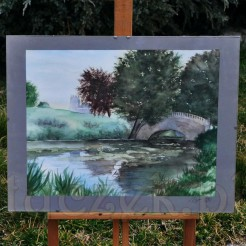 Mostek wśród drzew - pejzaż w akwareli
