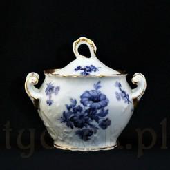 wytworna i niepowtarzalna cukierniczka porcelanowa