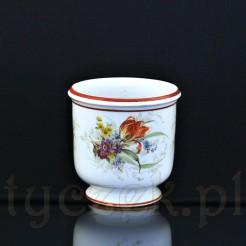 Porcelanowe naczynie, które może służyć zarówno jako donica jak i osłonka na donicę