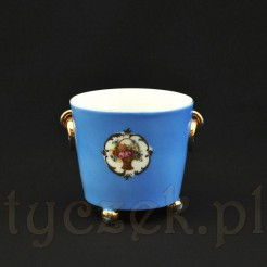 Efektowna osłonka doniczkowa z białej śląskiej porcelany z Wałbrzycha