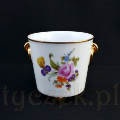 Piękna porcelanwoa osłonka na kwiatka w niewielkiej doniczce