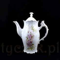 Wysoki dzbanek do kawy lub herbaty ze śnieżnobiałej porcelany