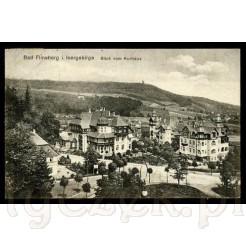 Widok na miasto z domu zdrojowego na dawnej widokówce ze Świeradowa Zdroju