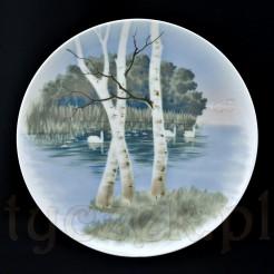 Subtelny wyrób z wysokiej klasy białej porcelany z ręcznie malowanym pejzażem