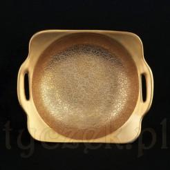 Rant miseczki w formie kwadratu o zaokrąglonych brzegach.