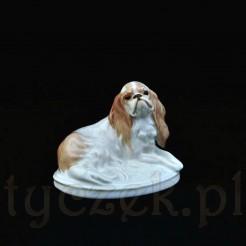 Wiekowa figurka psa angielskiej rasy