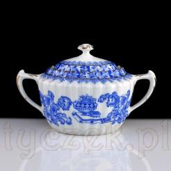 Dostojna i niecodzienna cukiernica z biało-niebieskim wzorem