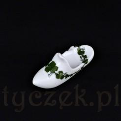 Filigranowy bucik ze szlachetnej, miśnieńskiej porcelany w białym kolorze