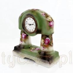 Ekskluzywny zegar HAU w niecodziennej obudowie porcelanowej