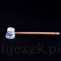 Porcelanowy tłuczek kuchenny ze wzorem cebulowym