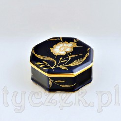 Kobaltowe puzderko/szkatułka idealnie posłuży do przechowywania bibelotów m.in. drobnej biżuterii czy spinek do włosów
