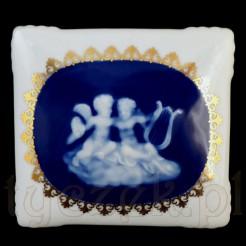 Luksusowa szkatułka z cennej porcelany francuskiej