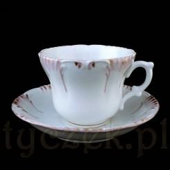 Okazała filiżanka z rosyjskiej porcelany uznanej wytwórni KUZNIECOV