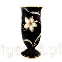 Królewski porcelanowy wazon