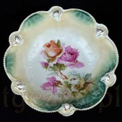 Kwitnące róże zdobią zabytkowy okaz RS PRUSSIA