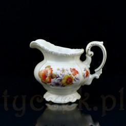 Babciny mlecznik z porcelany w kolorze ecru zdobiony motywem kwiatowym