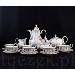 Elegancki i dostojny porcelanowy serwis stuletni