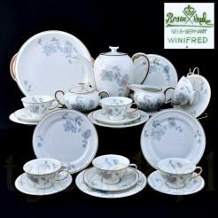 Okazały i piękny serwis z markowej porcelany