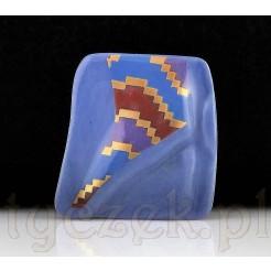 SIGNUM Brosza porcelanowa - oryginalny fason z wypukłością na środku