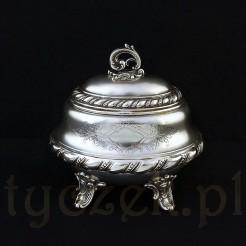 Piękna cukiernica ze srebra próby 800