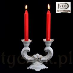 Znakomity świecznik w typie Bout de la table