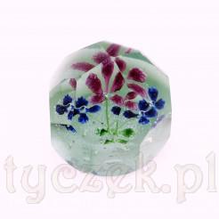 Szklana kula fasetowana z kwiatami wewnątrz