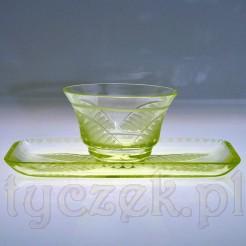 szklana cukiernica wraz z tacką