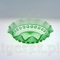 Zabytkowy wyrób z końca XIX i XX wieku ze szkła zielonego
