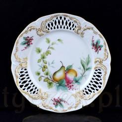 Ozdobny talerzyk deserowy wykonany z porcelany w kolorze białym marki Rosenthal