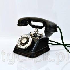 Elegancki telefon na biurko prezesa - antyk
