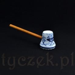 porcelanowy tłuczek do mięsa dekorowany kobaltem